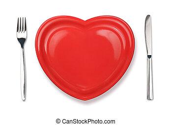 cuchillo, placa roja, en, forma corazón, y, tenedor, aislado, blanco