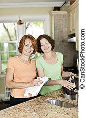 cucina, due, piatti, donne