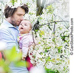 cuddling, suo, figlia, padre, giovane, ritratto