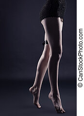cuero, oscuridad, mujer, piernas, correa