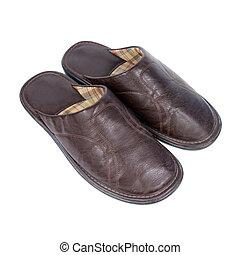 cuero, slippers.