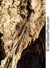 Cueva, amarillo