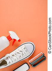 cuidado, calzado, herramientas, blanco, sneakers., limpieza