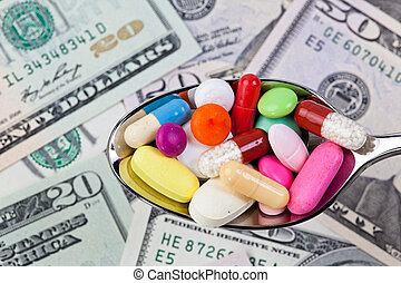cuillerée, pilules, entouré, par, argent