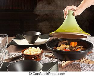 cuire vapeur, nourriture, tajine