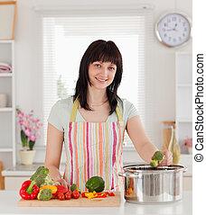 cuisine, beau, poser, légumes, quoique, brunette, femme