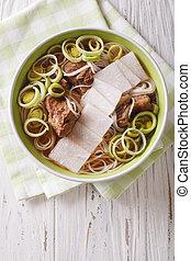 cuisine:, costole, closeup., verticale, manzo, cima, daikon, galbitang, minestra, riso, coreano, tagliatelle, vista