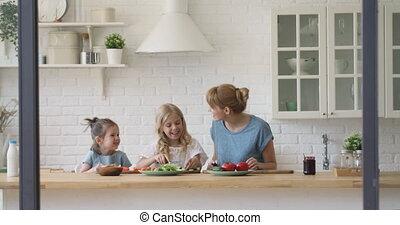 cuisine, filles, cuisine, ensemble, maman, petit, heureux, ...
