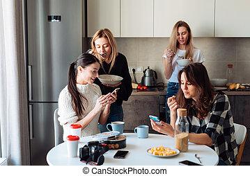 cuisine, groupe, femmes