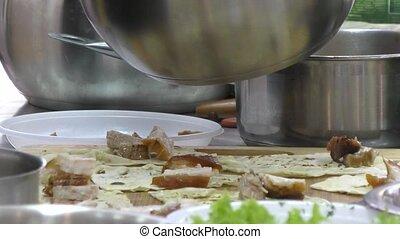 cuisinier, prépare, viande