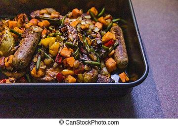 cuisson, pommes terre, vegan, saucisses, végétariens, rôti, mélangé, plateau