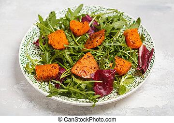 cuit, arugula., concept., fond, salade, vue., pomme terre, doux, vegan, blanc, lumière, sommet, nourriture, plaque, sain