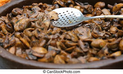 cuit, pot, champignons, grand