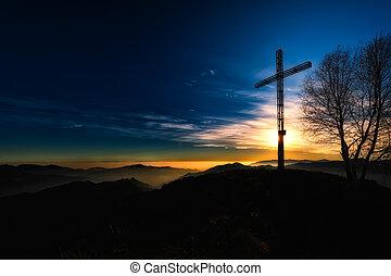 cumbre, cruz, un, montaña, en, ocaso