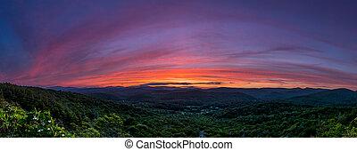 cume azul, pôr do sol, ao longo, pano, parkway