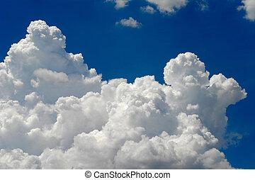 cumulus clouds - Big beautiful cumulus cloud