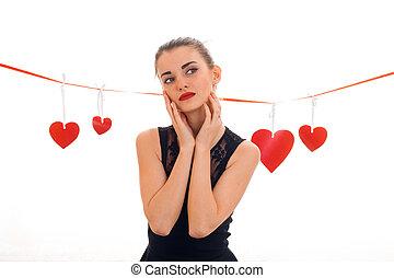 cuore, amore, valentine, concept., isolato, giovane, studio, sfondo rosso, bianco, ragazza, giorno
