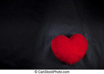 Sfondo nero cuore rosso