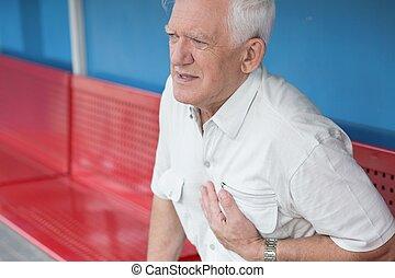 cuore, uomo senior, attacco, detenere