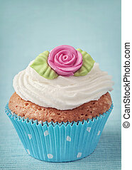 Cup cake with pink marzipan rose