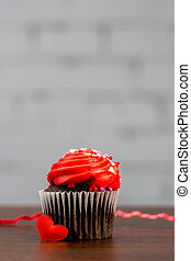 cupcake chocolate for valentines with red frosting lighting