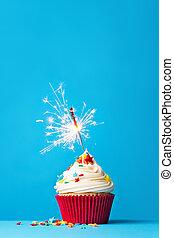 cupcake, mit, wunderkerze, auf, blaues