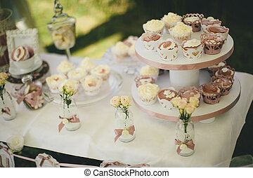 Cupcake table decoration