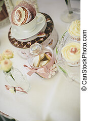 Cupcake table decoration