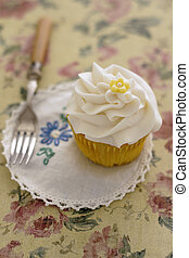 Cupcake with vintage setting