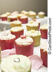 cupcakes, arrangiert, auf, a, tisch