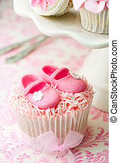 Cupcakes for a baby shower - Cupcakes decorated with a baby...