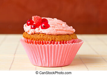 cupcakes with red currant