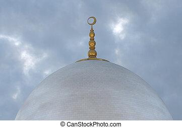Cupola of the Sheikh Zayed Mosque. Abu Dhabi, United Arab Emirates