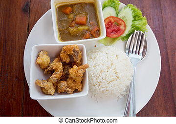 curry rice with fried chicken