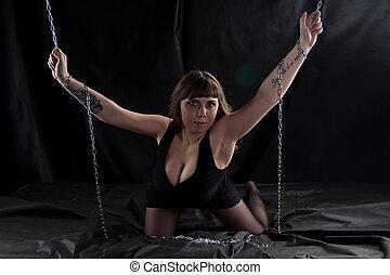 curvy, imagem, mulher, correntes, segurando