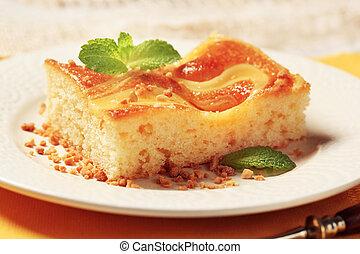 Custard cream sponge cake - Slice of custard cream sponge ...