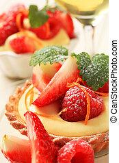 Dessert - Small custard tart with fresh fruit