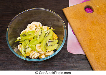 cut bananas and kiwi