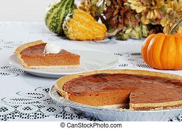 cut pumpkin pie