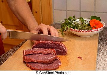 cut tender beef slices