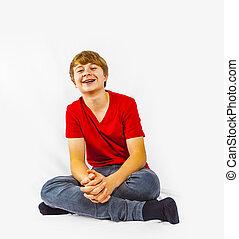 cute, bonito, menino sentando, em, a, chão