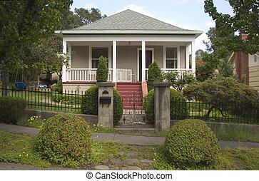 Cute Craftsman Home 1