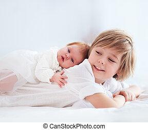 cute, irmã, irmão, recem nascido, ancião, bebê, mentindo