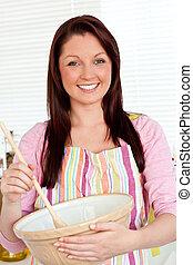 cute, kvinde, hos, skål, madlavning