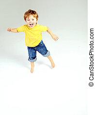 cute, litle, menino, tendo, um, grande, divertimento