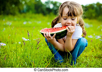 girl eating watermelon - cute little girl eating watermelon ...