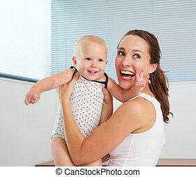 cute, mãe, bebê, lar, sorrindo, tocando, feliz