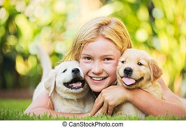 cute, menina, jovem, filhotes cachorro
