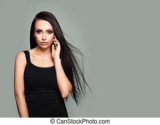 cute, morena, mulher, modelo moda, com, longo, saudável, cabelo, e, natural, maquilagem, ligado, cinzento