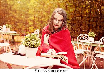 cute, mulher, livro, leitura, ao ar livre, modelo, café